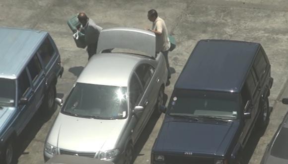 Policía ya identificó a los malos efectivos que robaban el combustible. (Captura de video)