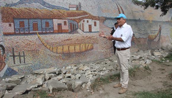 Alcalde Elidio Espinoza se encuentra en aprietos.