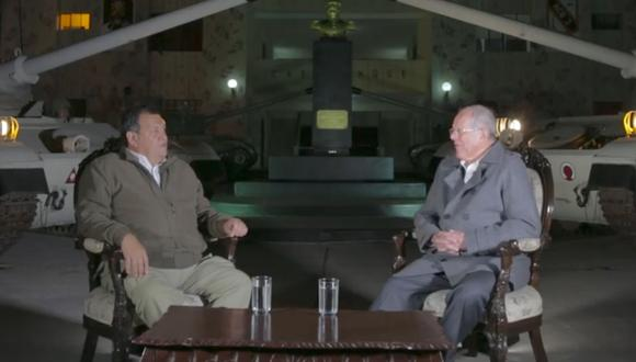 Ministro de Defensa es entrevistado en programa 'Conversando con el Presidente' (Facebook/Presidencia Perú)