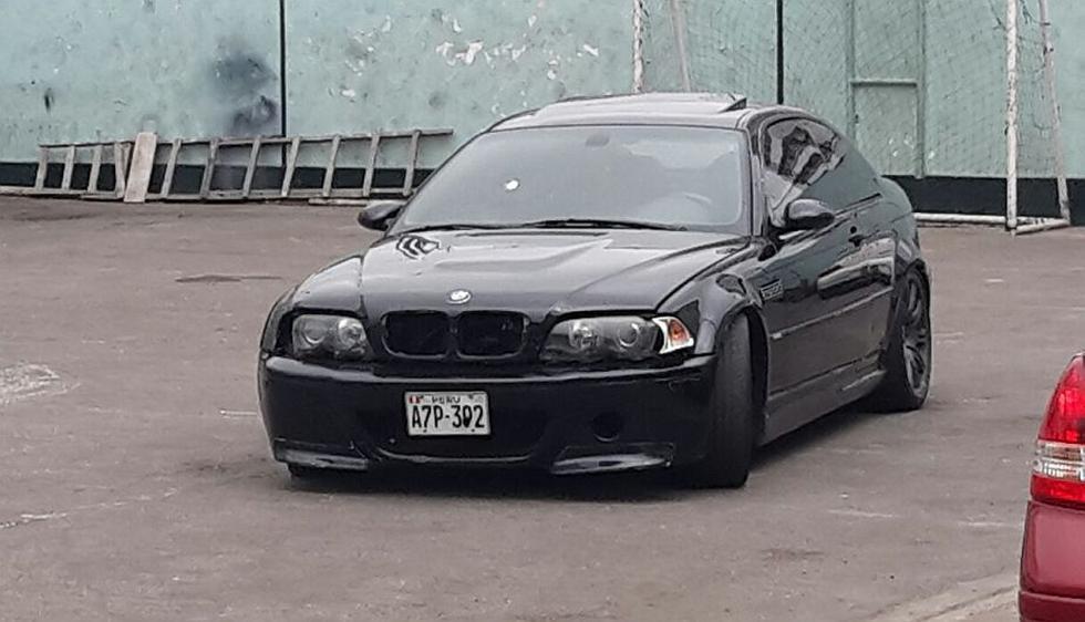 Agentes de la Policía Nacional capturaron a balazos a 4 ocupantes de un moderno auto BMW modelo M3, entre ellos una mujer. (Óscar Flores)