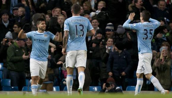 Manchester City aplasta 4-2 al Watford con triplete de Sergio Agüero. (AP)