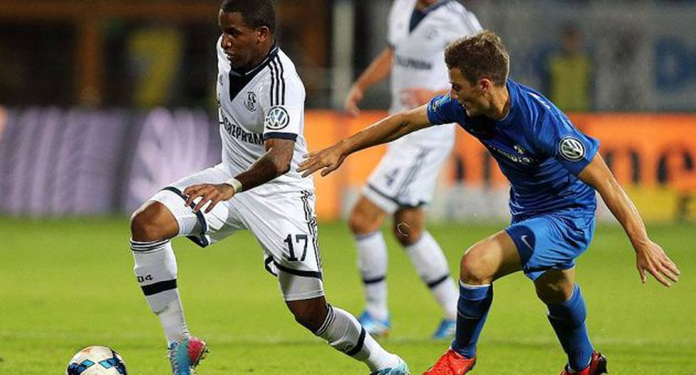 Jefferson Farfán sigue dando buenas actuaciones con la camiseta del Schalke 04. (Facebook)