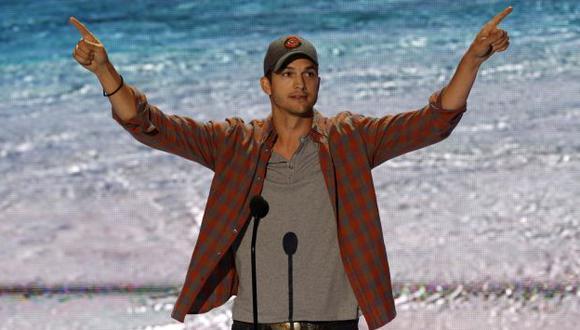 Ashton Kutcher premiado en los Teen Choice. (Reuters)