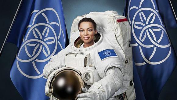 Bandera de la humanidad en un inusual evento deportivo interplanetario. (The Verge)