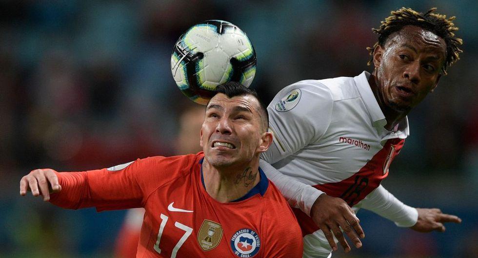 Gary Medel reconoció la superioridad de Perú en el encuentro ante Chile. (Foto: AFP)