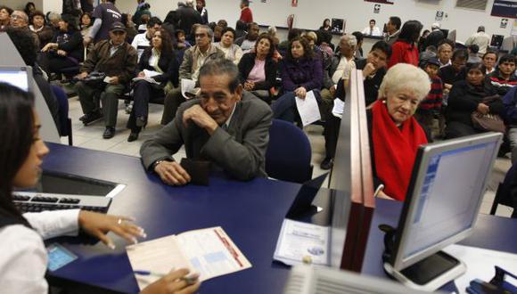 DESAMPARADOS. En menos de 40 años, un millón de aportantes al sistema público no recibirá pensión. (USI)