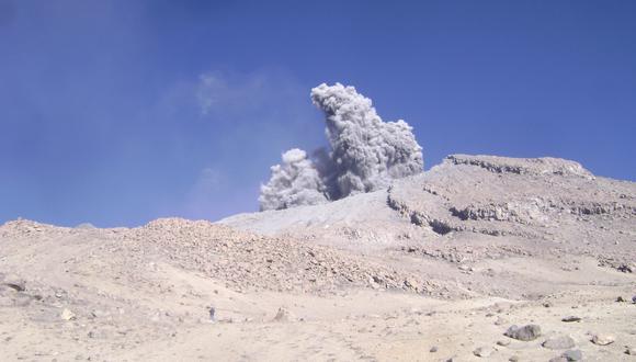 El volcán Ubinas está catalogado como el más activo del Perú. (Foto referencial: GEC)