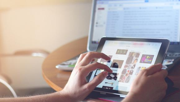 Existen diversas herramientas que las familias pueden usar para aprovechar su tiempo en internet de la forma más segura. (Foto: Pezibear en pixabay.com / Bajo licencia Creative Commons)
