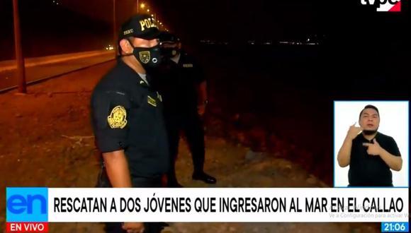 La Policía intervino a tiempo y pudo salvar con vida a  dos hombres que ingresaron a la playa pese a prohibición. (TV Perú Noticias)