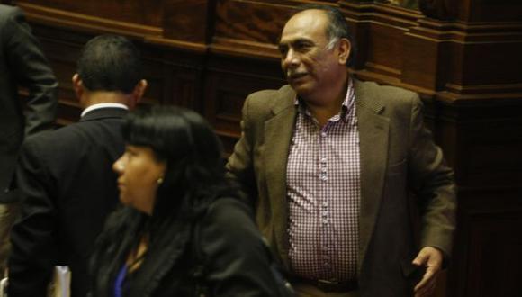 """DESUBICADO. El nacionalista Rogelio Canches advirtió que """"nadie se salvará"""" de sus investigaciones. (Mario Zapata)"""