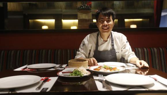 Feliz. Así se describe el chef Felix Loo, quien asegura que le pusieron el nombre en español por ser alegre y travieso. (Renzo Salazar)