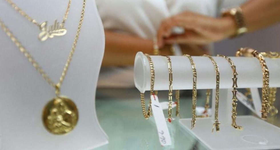 Inauguran exposición y venta de joyas y reliquias por el ...