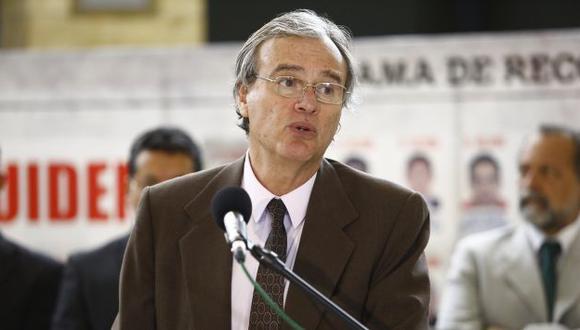Titular del Interior también criticó acusación constitucional contra el fiscal de la Nación, Pablo Sánchez.