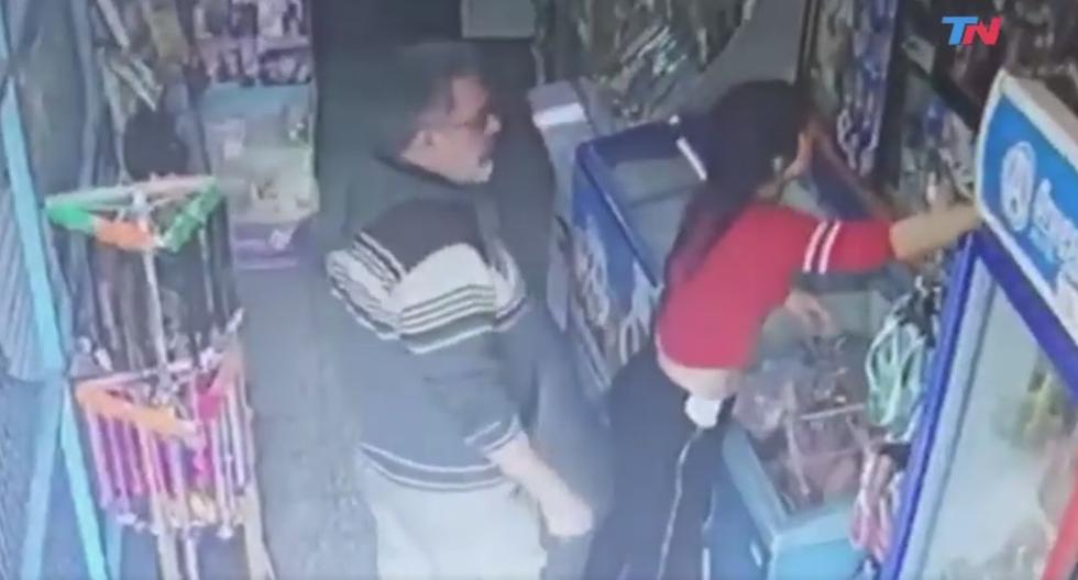 Argentina: Indignante acoso sexual es captado por cámaras de seguridad. (Twitter/TN)