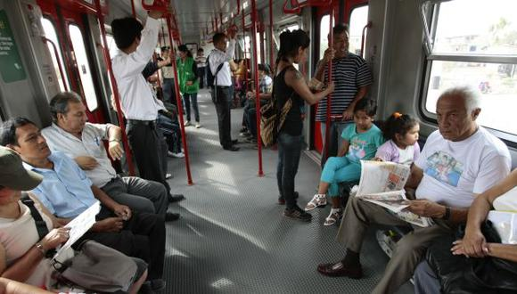 Ciudadanos empezaron a usar el Metro de Lima para transportarse a diversos puntos de la capital. (Perú21)