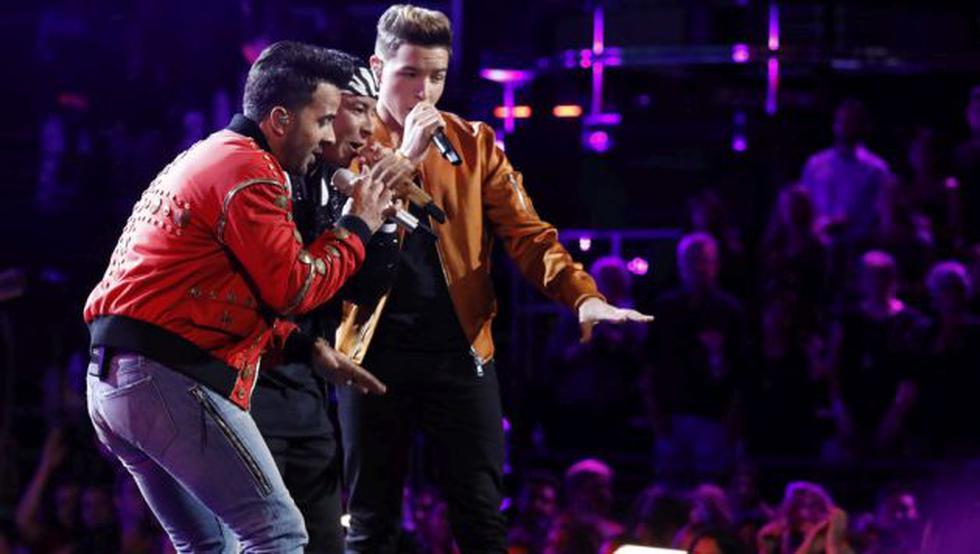 Luis Fonsi y Daddy Yankee interpretan 'Despacito' en reality 'The Voice'. (Créditos: Sony)