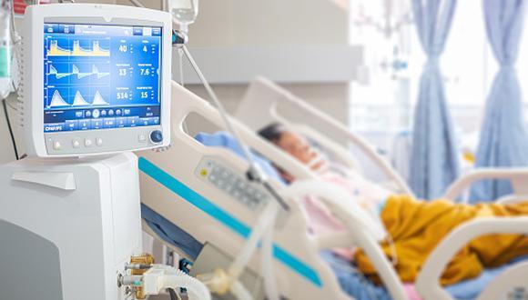¿Cuánto tiempo de vida podría 'devorar' el COVID-19 a las personas infectadas? (GETTY)