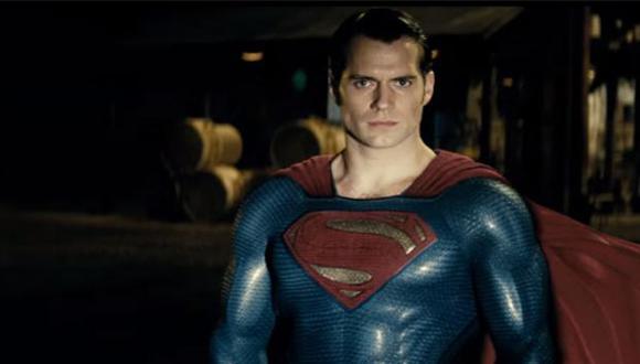 El actor Henry Cavill tuvo una transformación física a lo largo de su vida. (Foto: Warner Bros.)