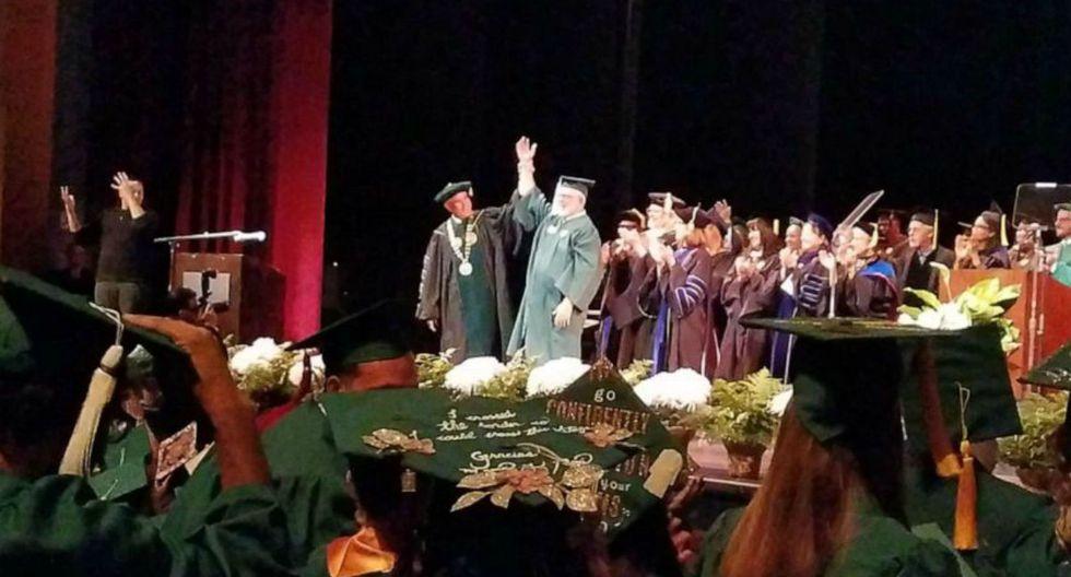 """Way Bandy y se graduó de la Universidad del Sur del estado de Florida (Estados Unidos). Su título es de """"Estudios Generales"""" y lo obtuvo tras presentar una tesis. (Foto: USF St. Petersburg)"""