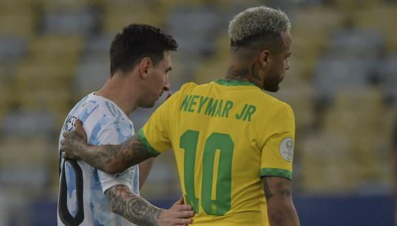 Neymar y Lionel Messi compartieron cuatro temporadas en el FC Barcelona. (Foto: AFP)