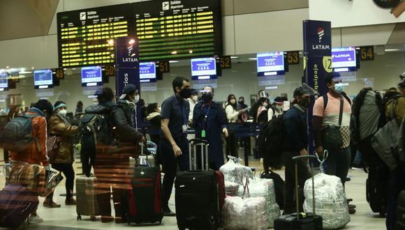 El 98% de las aerolíneas contaba con su aviso y libro de reclamaciones en la zona de embarque, según Indecopi. (Foto: Jesus Saucedo / GEC)