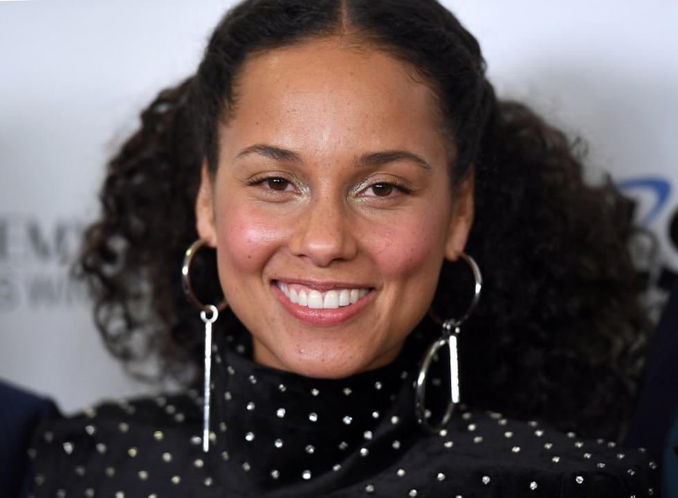 Alicia Keys honora a Aretha Franklin cantando 'Natural Woman' | Foto: AFP