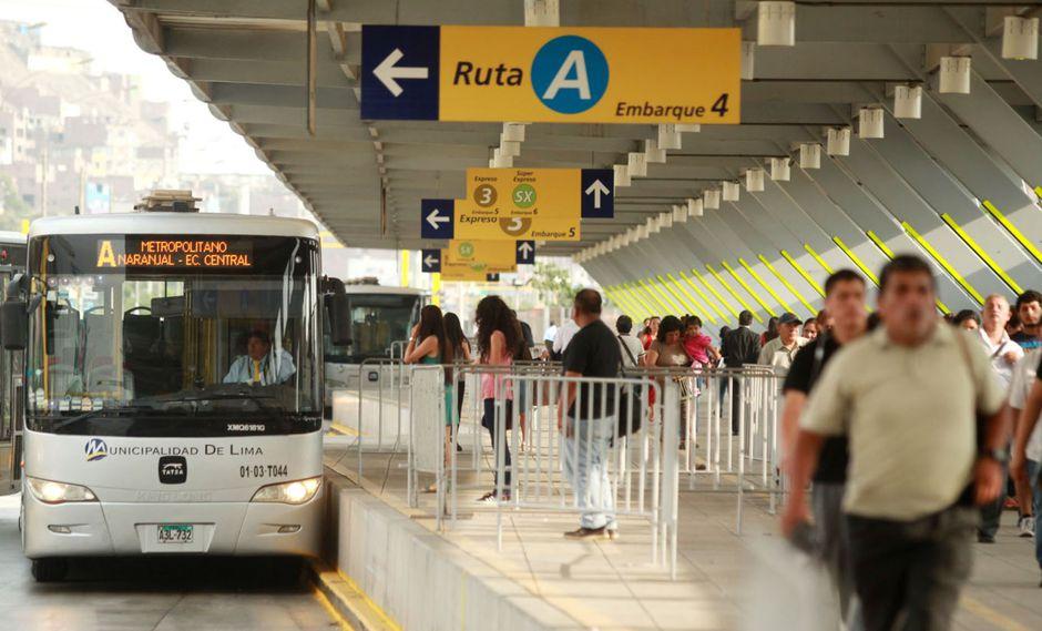 Aproximadamente a las 8:00 a.m. el Metropolitano informó que el servicio se regularizó. (Foto: Andina)