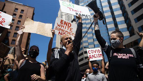 Protestas se extendieron por toda la nación esta tarde bajo un mismo lema:  Exigir justicia para George Floyd, hombre afroamericano que fue asesinado por un policía. (Foto: Getty Images)