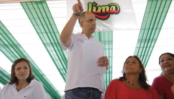 Lourdes Flores prefirió guardar silencio ante las críticas por su aval a Pablo Secada. (David Vexelman)