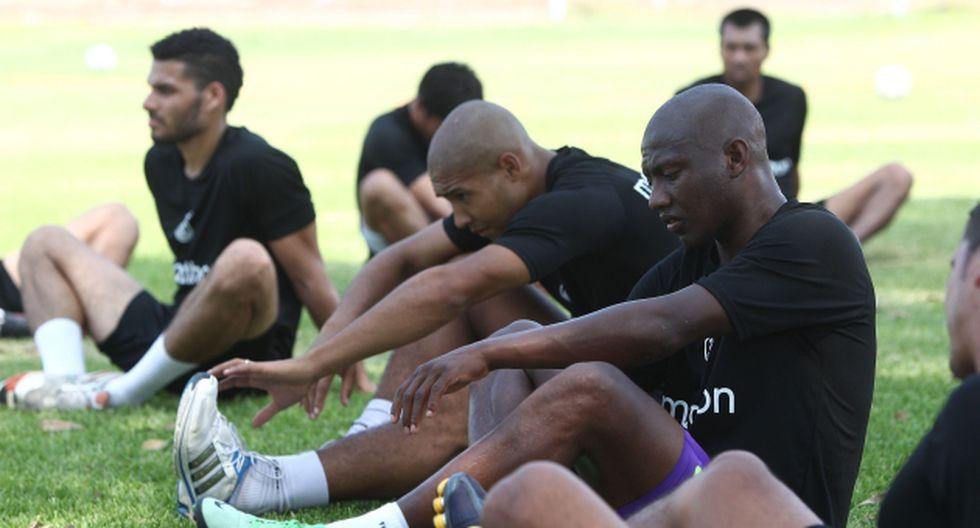 Real Garcilaso: Plantel viajó en dos grupos a Uruguay. (USI)