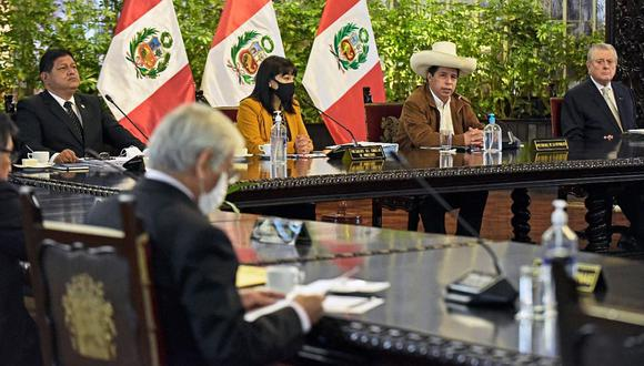 Mirtha Vásquez asumió la presidencia del Consejo de Ministros el miércoles 6 de octubre ante Pedro Castillo. (Foto: PCM)