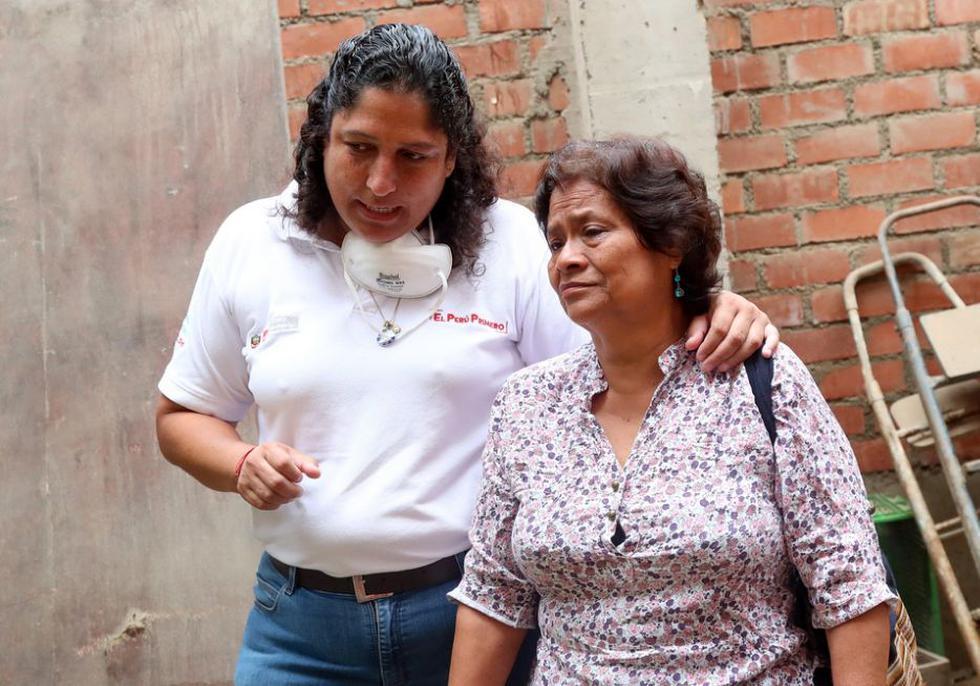 La ministra del Ambiente, Fabiola Muñoz, instó a los afectados por el aniego en San Juan de Lurigancho que brinden características específicas de los bienes que perdieron tras la inundación. (Foto: Minam)