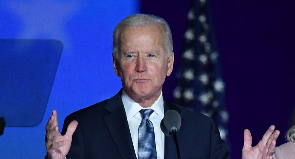 El candidato presidencial demócrata Joe Biden habla durante la noche de las elecciones en el Chase Center en Wilmington, Delaware, a principios del 4 de noviembre de 2020. (AFP / ANGELA  WEISS).
