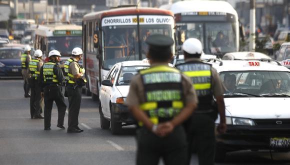 Gobierno coordinará con la Municipalidad de Lima sanciones más severas para choferes infractores. (Perú21).