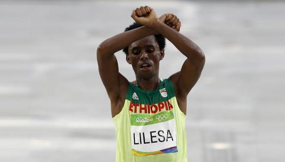 Feyisa Lilesa logró la medalla de bronce en Río 2016. (AFP)