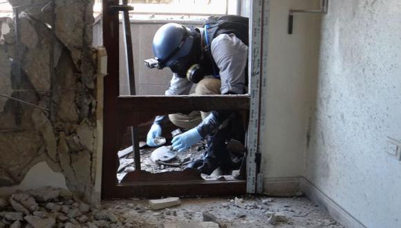 Sigue en la mira. ONU investiga más denuncias sobre ataques con armas químicas en Siria. (AFP)