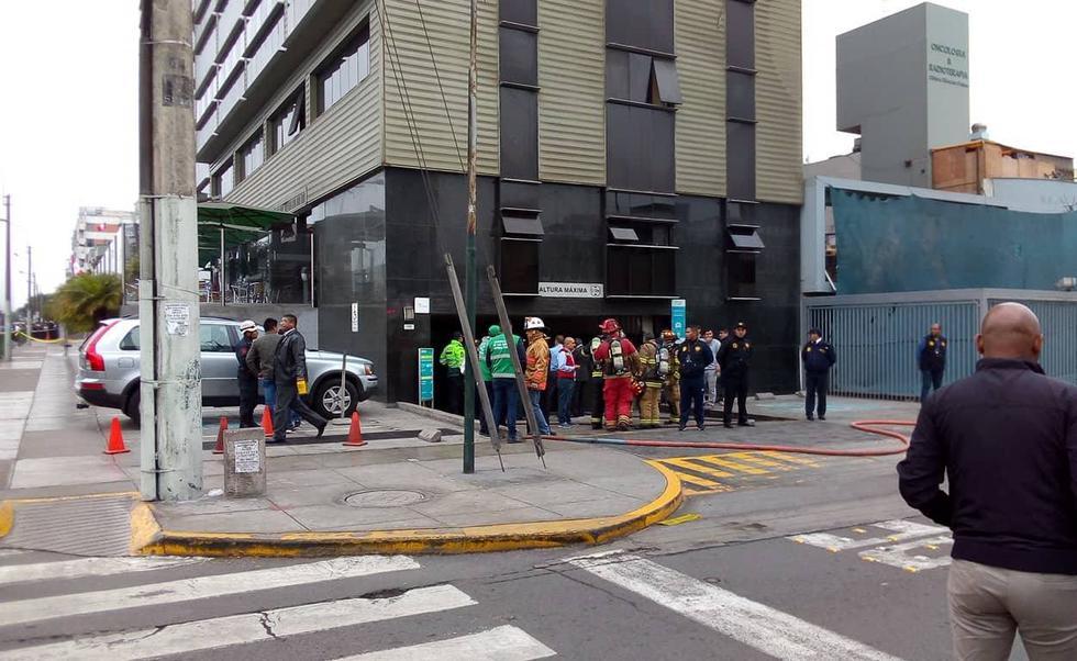 Cinco personas heridas tras explosión en clínica Ricardo Palma. (Oscar Flores/Perú21)