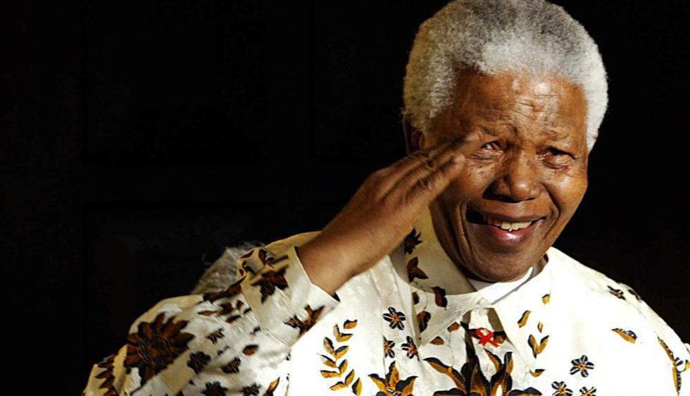 Nelson Mandela. El pasado jueves el activista político, Nelson Mandela, murió a los 95 años. El sudafricano que abolió el apartheid  y ganó el Premio Nobel de la Paz pasó sus últimos minutos de vida junto a su familia. (AFP)