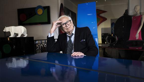 El reconocido diseñador Pierre Cardin falleció a las afueras de París.(Foto: Joel Saget / AFP)