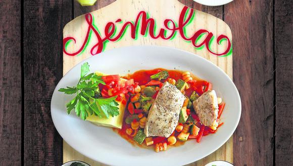 Molde de sémola con salsa de verduras y pescado de don Cucho. (Perú21)