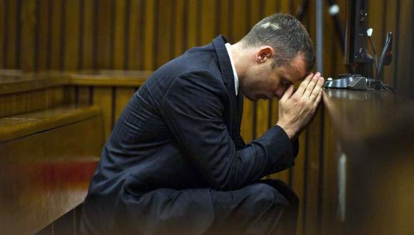 Oscar Pistorius habría tomado clases para llorar y vomitar en el juicio