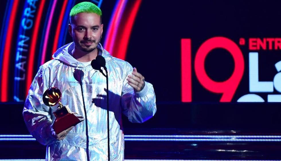 El cantante colombiano recibió el premio a Mejor álbum de música urbana en los premios Grammy Latino 2018. (Foto: AFP)