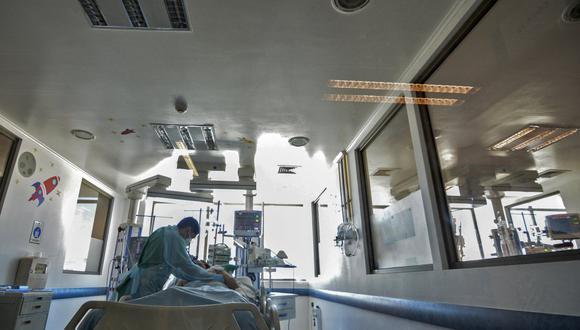 Chile se encuentra sumido en una segunda ola de la pandemia que desde el año pasado deja 1,2 millones de casos y 26.659 fallecidos y que puso contra las cuerdas al sistema sanitario. (Foto: GUILLERMO SALGADO SANCHEZ / AFP)