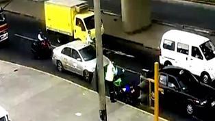Surco: sujetos a bordo de un taxi fueron detenidos tras persecución
