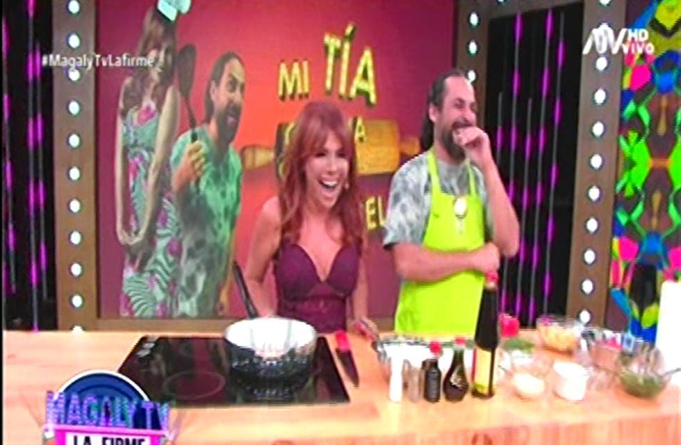 Magaly Medina parodia el programa de Ethel Pozo. (Foto: Captura de pantalla)