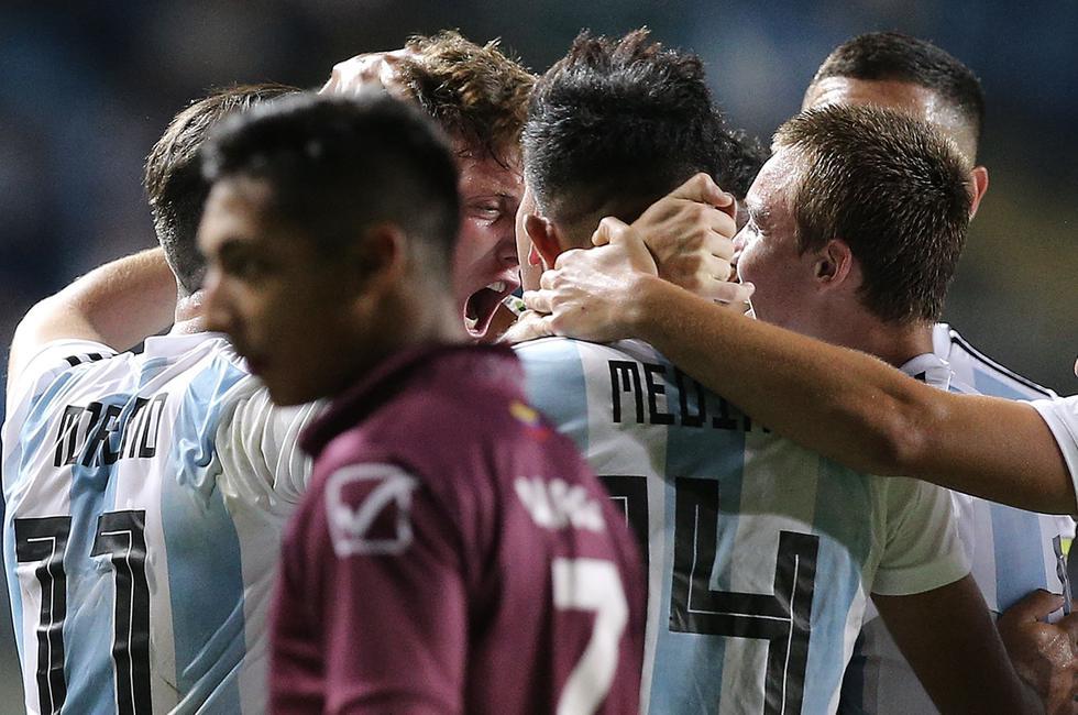 Venezuela cayó goleado 3-0 ante Argentina por el hexagonal final del Sudamericano Sub 20. (AFP)