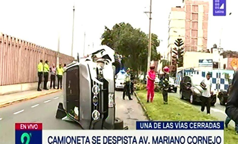 Accidente causó gran tráfico vehicular. (Foto: Captura/Latina)