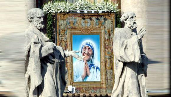 Críticos revelan 'el lado oscuro' de la madre Teresa de Calcuta. (EFE)