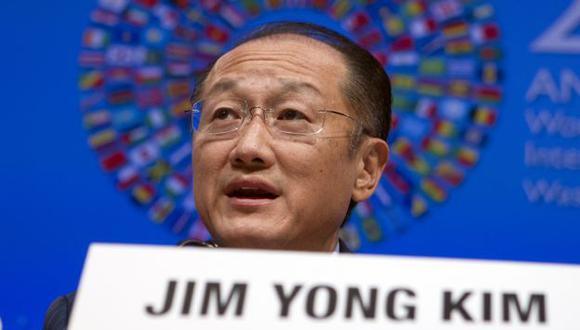 Jim Yong Kim participa en la asamble anual de Banco Mundial y el FMI en Washington. (AP)