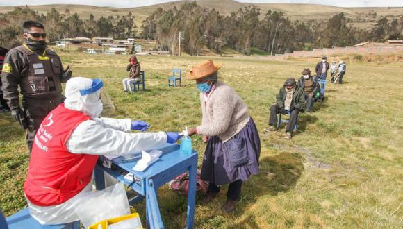 Se recuerda que durante las modalidas de 'carritos pagadores' la Policía Nacional del Perú y las Fuerzas Armadas brindarán seguridad para los beneficiarios. (Archivo / Midis)